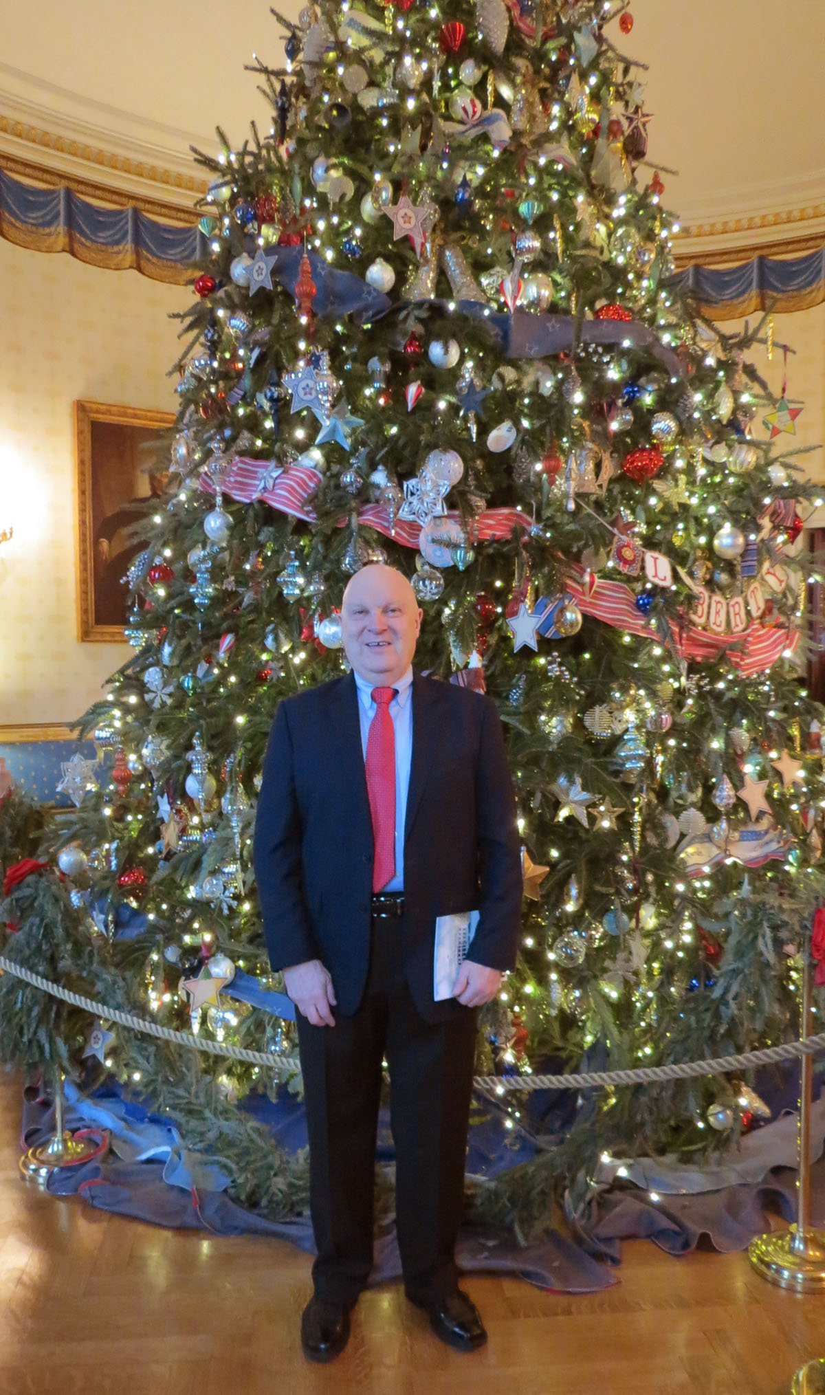 Rutgers ornament - Larrousse Visits White House